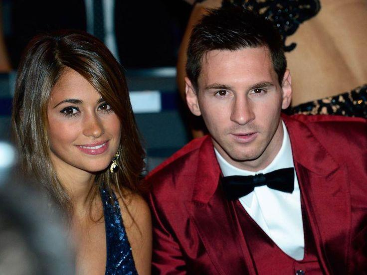 El astro argentino, Lionel Messi, ganador de cuatro galardones, estuvo acompañado en la gala por su hermosa esposa Antonella Roccuzzo.