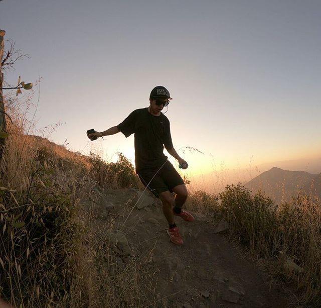 Ayer fue un día especial ya que nos reunimos con la CREW celebramos lo que fue el 2017 y presentamos a nuestro nuevo embajador para el 2018 que viene a aportar toda su juventud motivación y ganas de crecer Bienvenido @nicodonoso30 esperamos apoyarte en todo tu desarrollo  a sumar experiencias y kilómetros . .  #stgomrco #buff #petzl #cabradelmonte #cervezaquimera #healthbalance #garmin #club #equipo #crew #training #run #runner #mountain #trailrunning #ultratrail #running #outside…