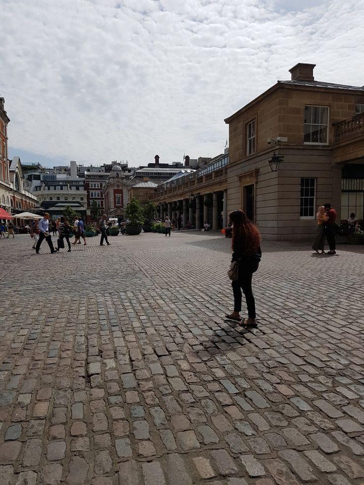 #londra Londra una piazza     #buonpomeriggio