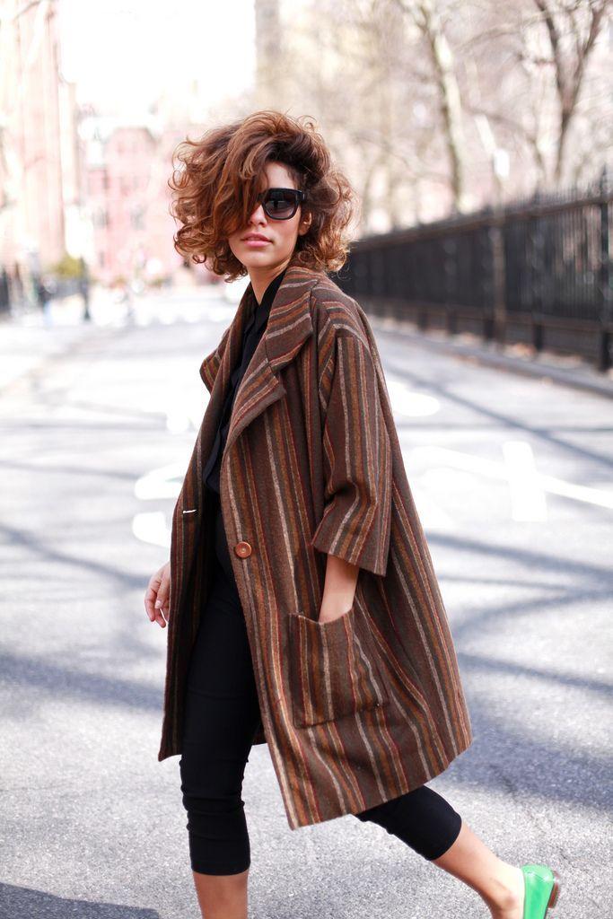 nice Эффектная стрижка на вьющиеся волосы средней длины (50 фото) — Как обуздать кудри?! Check more at https://dnevniq.com/strizhka-na-vyushhiesya-volosy-srednej-dliny-foto/