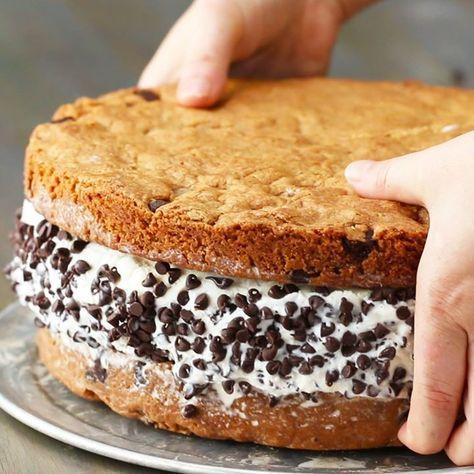 Мороженое в гигантском печенье | Вкусные рецепты