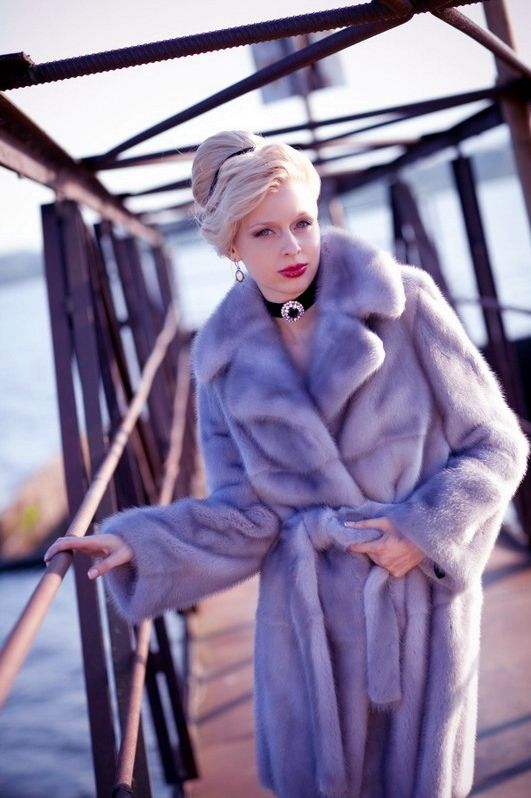 White furFur Coats, Fabulous Fur, Style Fur, Fur Cite, Beautiful Fur, Fur Fourrure, Beautiful Mink, Mink Fur, Blue Gray Mink