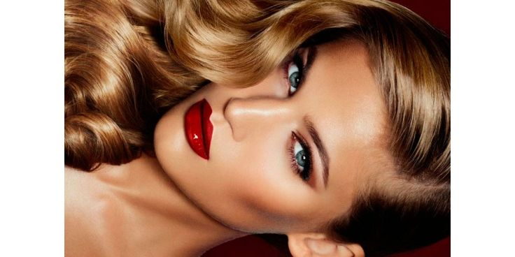 ¿Sientes que tu maquillaje no dura? ¿Notas que al paso del día la piel brilla? ¿Cómo hacer para tener el maquillaje perfecto?  ¡Os damos 5 trucos para solucionar todos vuestros problemas!