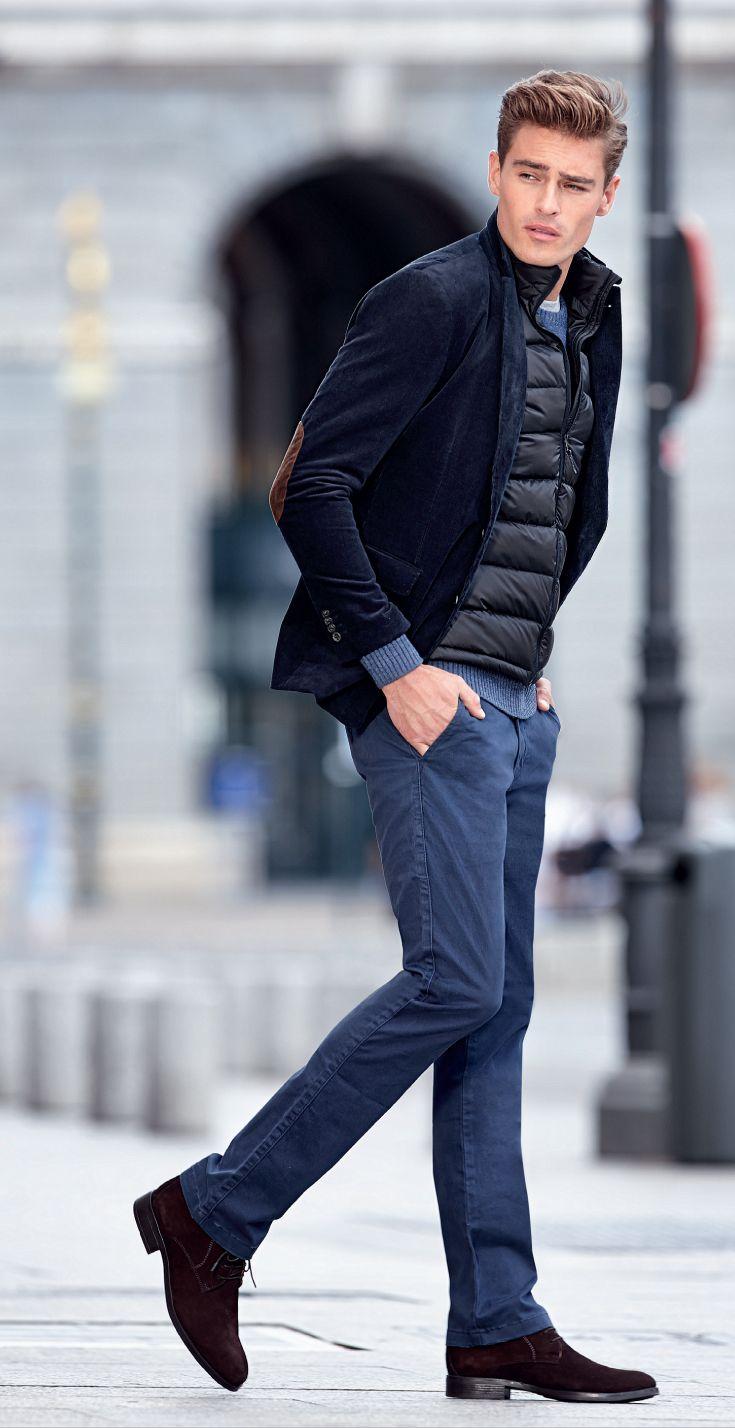 Lo imprescindible para os días de escapada lo puedes encontrar en #Hipercor. Americana de pana (tallas 48 a 60) Chaleco acolchado (tallas 3 a 7) Jersey cuello redondo (tallas M a 4XL) Pantalón sport (tallas 40 a 52)