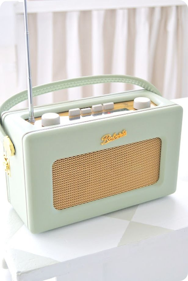 Roberts Radio... I have green.. But need one in every colour!