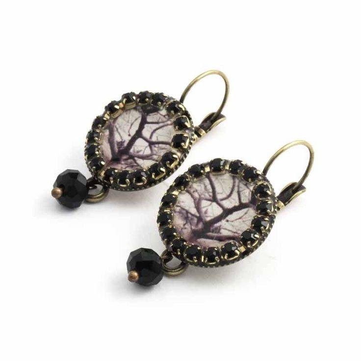 Iris Zwarte oorbellen met een sfeervolle winterboom