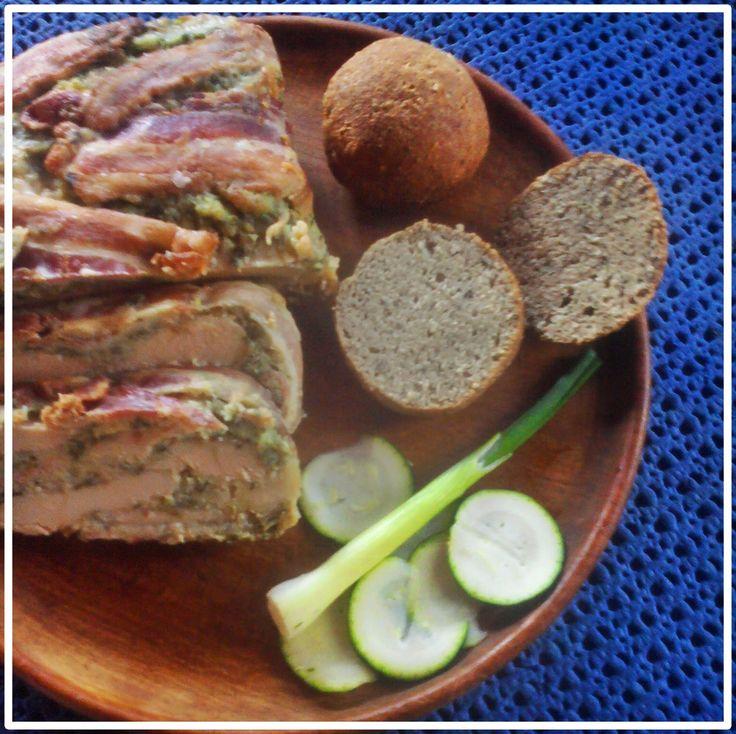 Medvehagymás csirkemell torta  fehérjedús zsömlével (paleo)       a párizsi bunda tovább gondolva,ebédre vagy vacsorára?