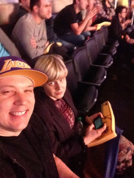 1.Jan. 5, LA:  Robyn rocks a foam #1 finger and The Lakers don't win?  Aww snap.