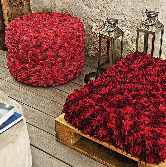 Puff de pneu matizado vermelho Cisne Sweet Ball e Camila Mais #croche #decoracao #CoatsCorrente