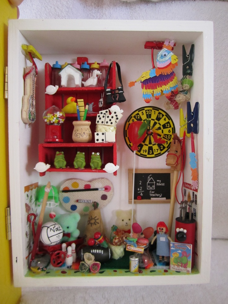 toy room by Marcela Juvelis (MarcesMiniatures)