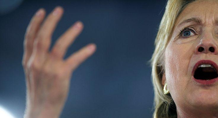 La récente révélation de WikiLeaks accusant Hillary Clinton de trahison de la confiance politique pourrait porter un coup bas à sa campagne électorale, quelque chose comme un tremblement de terre de force neuf sur l'échelle de Richter, affirme le procureur...
