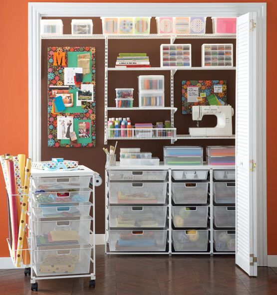 Absolutely love this art closet! I need to do this with all my teaching/boys arts and crafts stuff. So organized!
