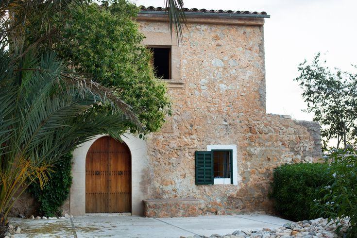 One of several Bou Ros properties that owners Miquel Fuster Riera and David Roldan Sastre rent to lodgers, the finca's overnight rates range from€180 to €480per night (with a five-night minimum).