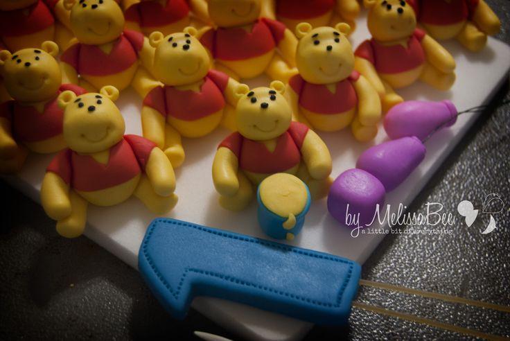 Winnie the pooh cupcake topper