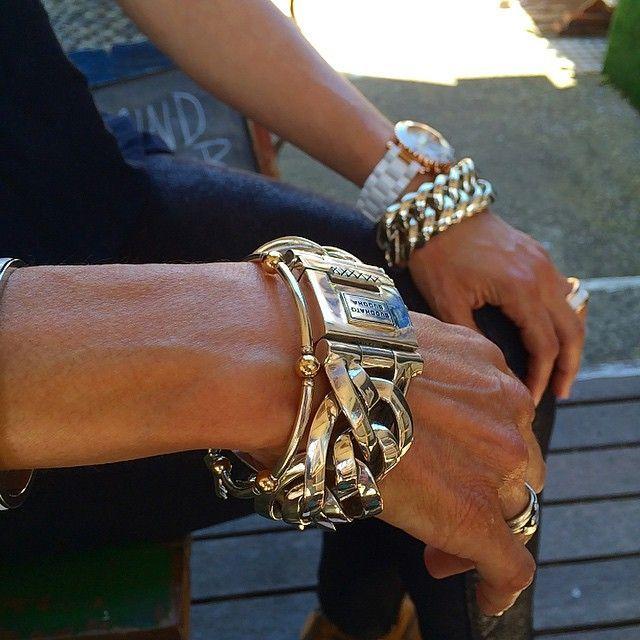 Wearing silver jewelry www.ajuweliers.nl