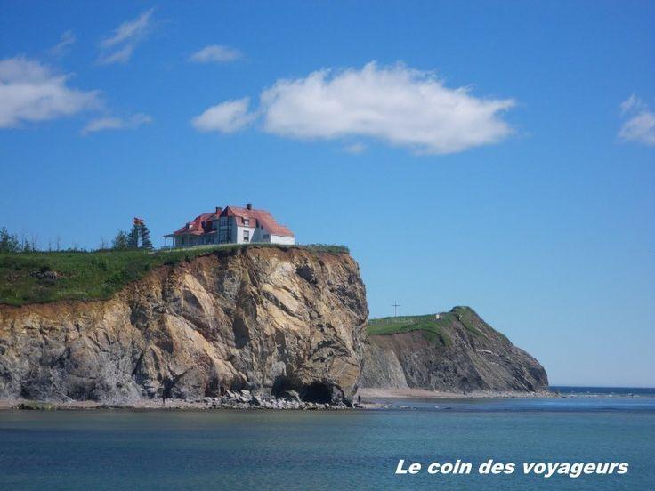 """Vous connaissez la Gaspésie ? Mon ami Wiki nous indique que la Gaspésie """"est une péninsule canadienne située au sud-est du Québec et entourée des eaux du fleuve Saint-Laurent au nord, du golfe St-Laurent à l'est et de la baie des Chaleurs au sud"""". Moi,..."""