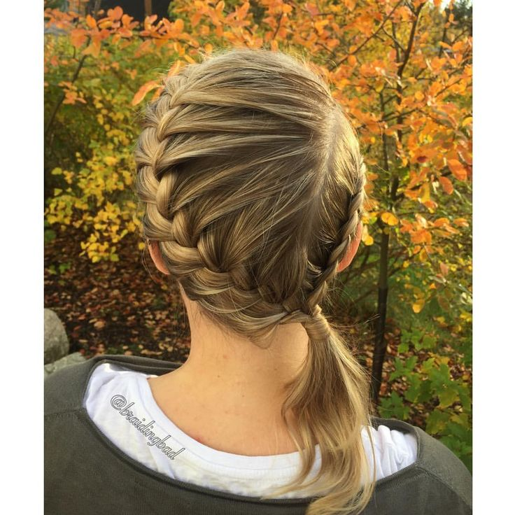 """130 tykkäystä, 8 kommenttia - Heli (@braidingbad) Instagramissa: """"Finally a sunny autum day  Great weather for taking braid pictures  #frenchbraid and…"""""""