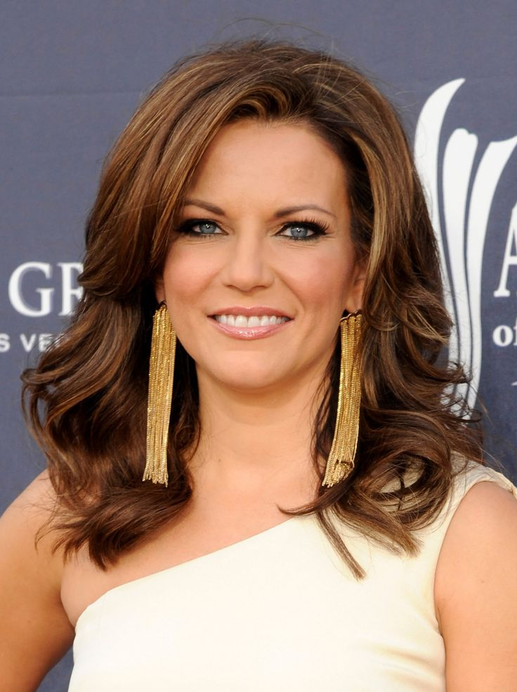 thick hair haircut martina mcbride hair cuts hairstyles 4870