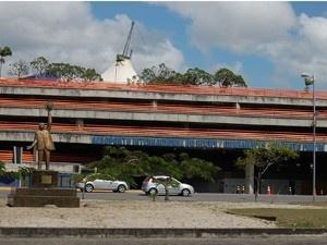 Hemope arma posto volante no aeroporto do Recife, nesta terça  Ponto estará montado das 8h30 às 12h e das 13h30 às 16h30.  No local, possíveis doadores passarão por uma triagem médica  - O Aeroporto Internacional do Recife / Guararapes – Gilberto Freyre, na Zona Sul da capital pernambucana, recebe nesta terça-feira (24) a campanha do Hemocentro de Pernambuco (Hemope), para incentivar a doação de sangue. O posto estará montado na Sala de Imprensa, no piso térreo, das 8h30 às 12h e das 13h30…