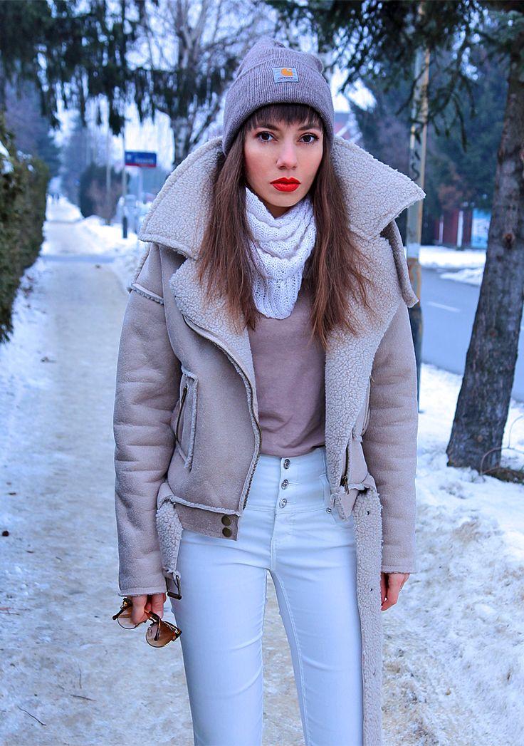 faux sheepskin biker jacket in beige total look: https://jointyicroissanty.blogspot.com/2017/01/faux-sheepskin-jacket-and-high-waisted.html  #shearlingjacket #carharttbeanie #streetwear #streetstyle #ootd #winterootd #highwaistedpants #bikershearlingjacket