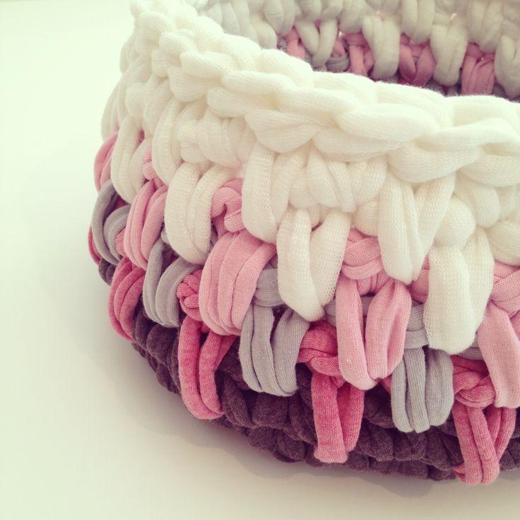 Trapillo T-shirt yarn basket || By OsaEinaim סלסלה מחוטי טריקו || עושה עיניים