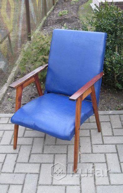 Красивое стильное винтажное кресло