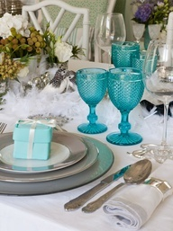 Bico de jaca.: Dining Room, Tables Sets, Tables Tops Decor, Tiffany Blue, Coastal Style, Bathroom Ideas, Dining Sets, Turquoise Glasses, Tables Decor