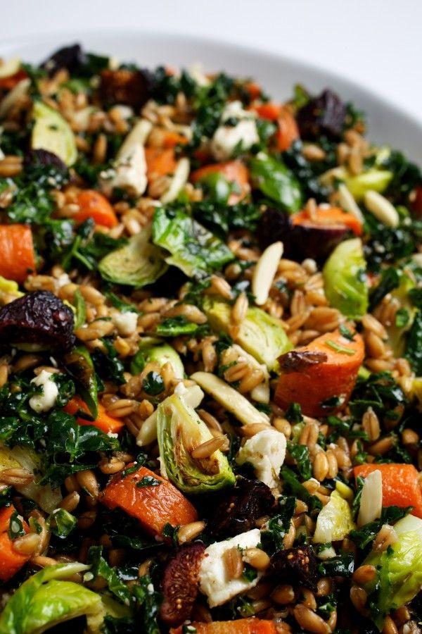 Roasted Vegetable & Farro #Salad | #Vegan Chews & Progressive News {12-26-14} http://samscutlerydepot.com/product/2-piece-santoku-and-peeler-gift-set-color-red/