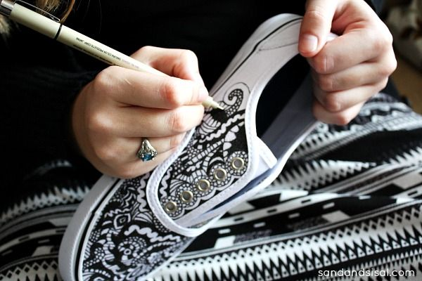 Doodle your Style! If you love doodling, then come learn how to decorate canvas shoes in the Zentangle Method and the best pens to use for the project.