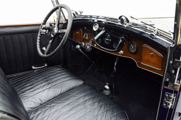 1931 ROLLS-ROYCE PHANTOM I NEWPORT TOWN CAR