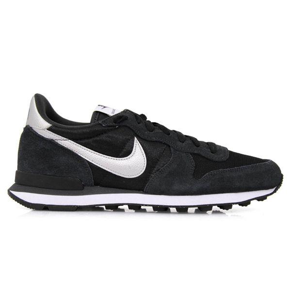 Sepatu Casual Nike Internationalist 631754-003 merupakan sepatu yang ringan dengan design yang ramping ini memiliki outsole grip yang nyaman digunakan untuk berjalan. Harga sepatu ini Rp 749.000.