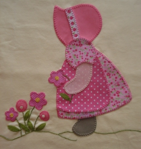 Sunbonnet girl w/flowers