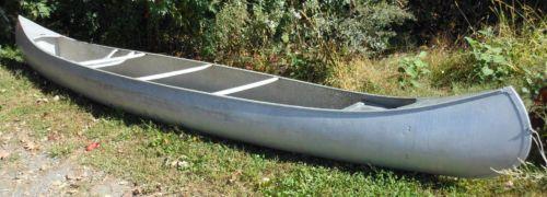 17ft-GRUMMAN-Aluminum-CANOE-with-Original-Grumman-Paddles
