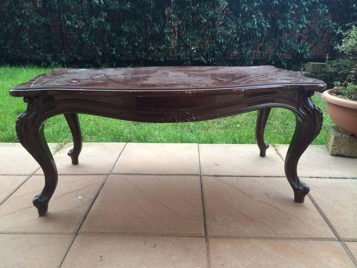 Il vecchio tavolino prima del restauro.