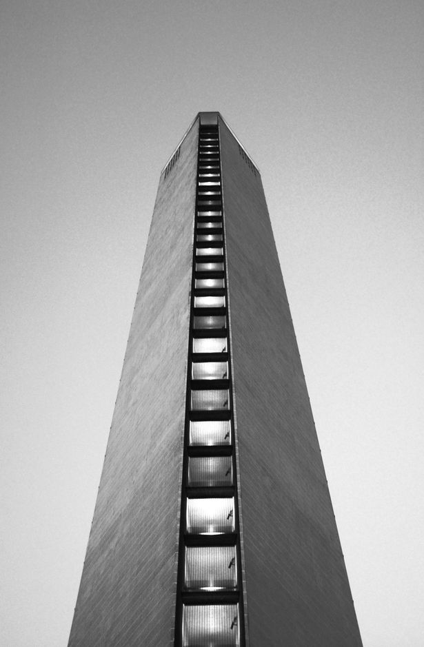 Pirelli Tower | 1956-1960 | Milan, Italy | Gio Ponti and Pier Luigi Nervi | photo by Massimiliano Degli Antoni