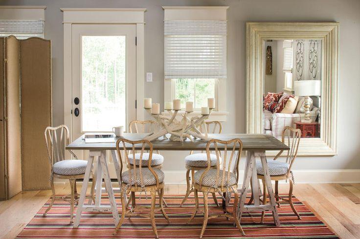 See more @ http://diningandlivingroom.com/make-small-dining-room-look-bigger/