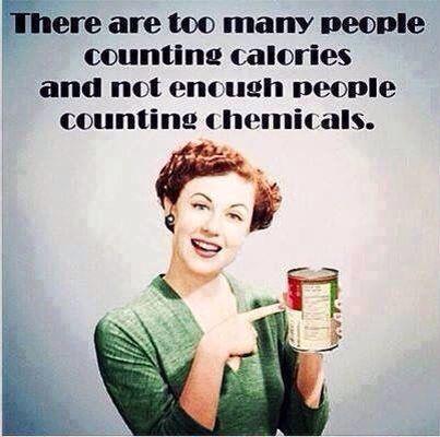 Helemaal waar! Toxische stoffen worden opgeslagen in vetweefsel (buik, billen, bovenbenen) daarom val je niet af van minder calorieën eten. Je zult zien dat wanneer je schoon gaat eten je zelfs meer calorieën kunt eten én zult afvallen!