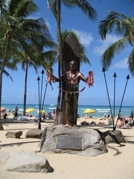 Duke Kahanamoku Statue, Oahu.  I miss Hawaii!
