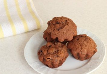 A very healthy bran muffin recipe, sugar free sweetened only with apple butter.