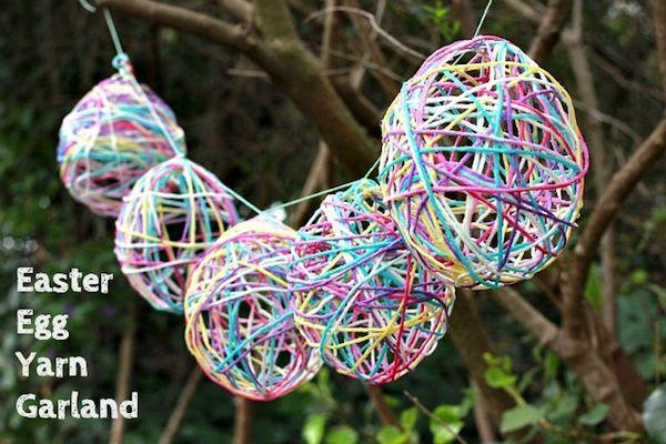 Easter craft: yarn egg garland