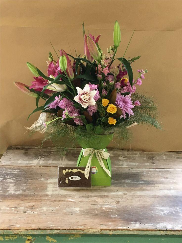 Flowers & chocolate for birthdays 🎉 #lesanssouciflowerstoowoomba #orderflowerslocal #celebratewithflowers