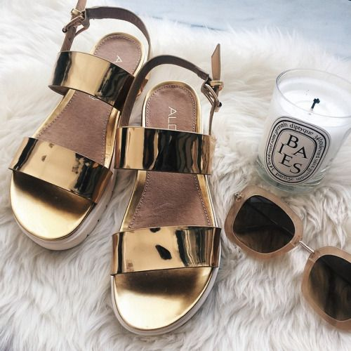 Sandals and sunnies.