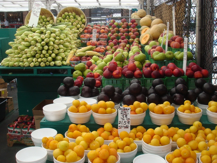 In Ottawa's famed Byward Market, bountiful fruit displays are a plenty! Visit your local farmers or merchant market to pick up fresh, seasonal foods: http://www.becel.ca/en/becel/HealthyEating/Five-Fab-Springtime-Vegetables.aspx #Canada