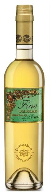 """8 años de contacto con la """"flor"""", que aún perdura tenue en la superficie del vino. / 8 years of contact with the """"flor,"""" which continues to survive on the surface of the wine."""
