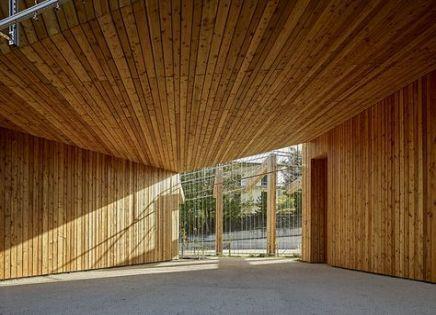 Mais informaçõesEncontre este Pin e muitos outros na pasta Gardening de Kathy.   – architecture moderne bois