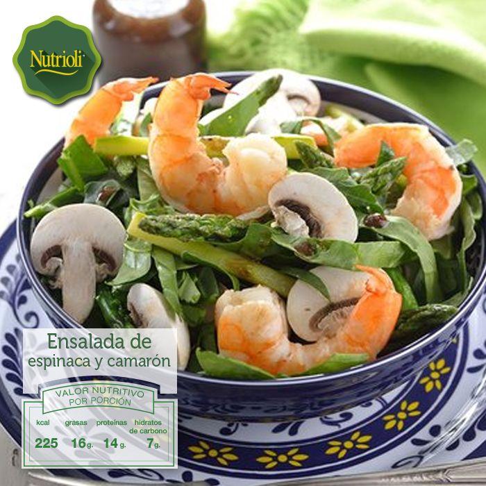 """""""¡Acompaña tu comida de hoy con una deliciosa ensalada de espinaca y camarón! La espinaca, por su alto contenido de antioxidantes, ayuda a retrasar el envejecimiento celular, mientras que los camarones aportan Omega-3 que fortalece nuestro cerebro. Lee la receta completa aquí: http://bit.ly/1gumJJE"""""""