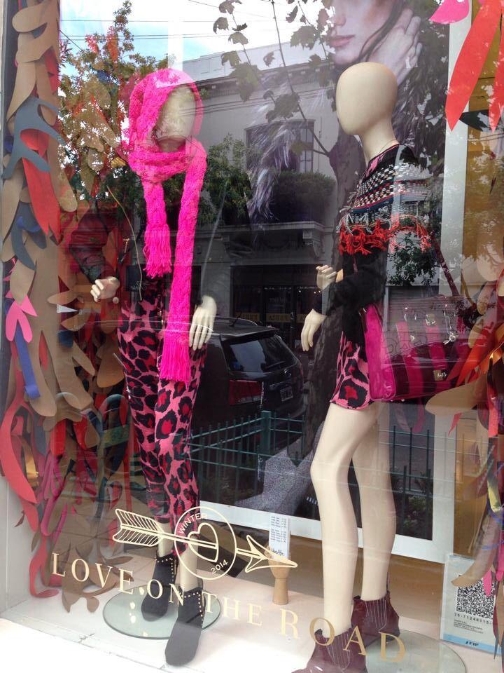 #fashionwindows #palermoviejo #papercut @estudioflorfasci @veroalfieboutique