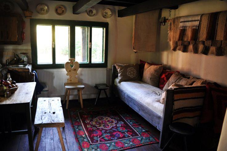 http://www.villagehotelmaramures.com/wp-content/uploads/16-casa-veche-village-hotel-maramuresBIL_.jpg