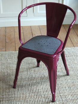 Sitzauflage aus Filz mit Tolix Lochmuster für Ihren Tolix Stuhl (verschiedene Farben im Tolix Onlineshop erhältlich) - TOLIX SITZAUFLAGE AUS FILZ MIT LOCHMUSTER - FARBE: ANTHRAZIT