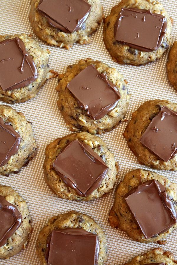 Pumpkin-Oatmeal Candy Bar Cookies from @RecipeGirl {recipegirl.com}
